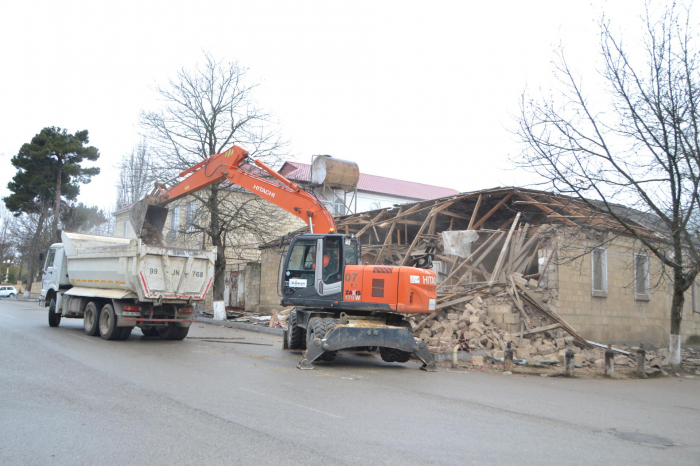 Reconstruction of earthquake-affected houses begins in Shamakhi