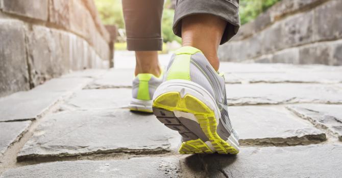Activité intense ou modérée: une astuce simple pour savoir à quelle vitesse vous marchez