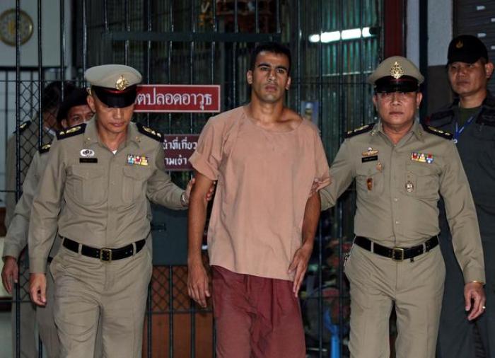 Refugee footballer freed by Thailand returns to Australia