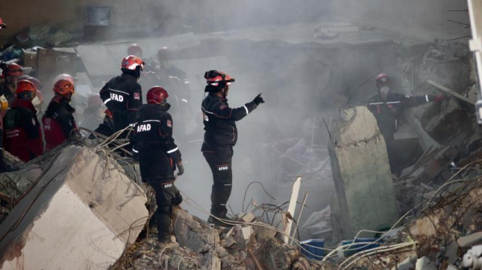 İstanbulda binanın uçması nəticəsində ölü sayı 21-ə çatıb