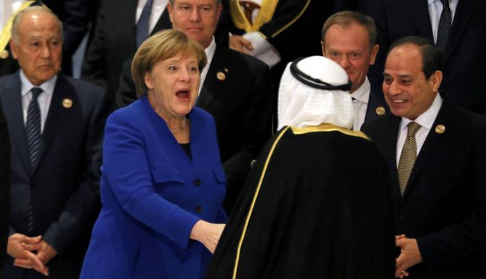 La UE intenta llenar un vacío regional en su primera cumbre con los países árabes