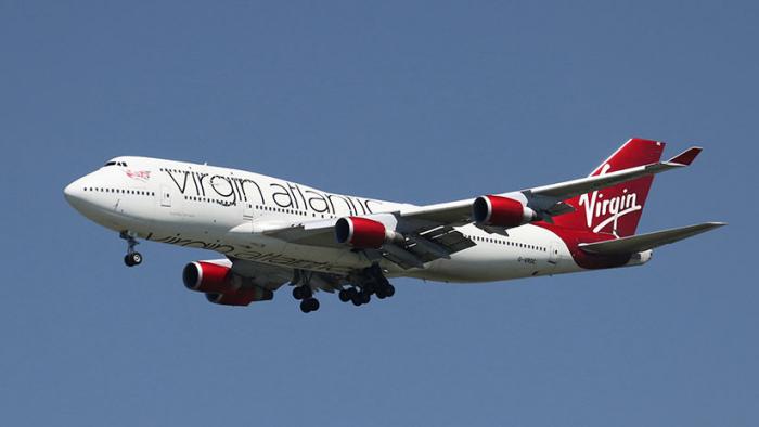 """Un avión de pasajeros roza la barrera del sonido gracias al """"monstruo de una cola de viento"""""""