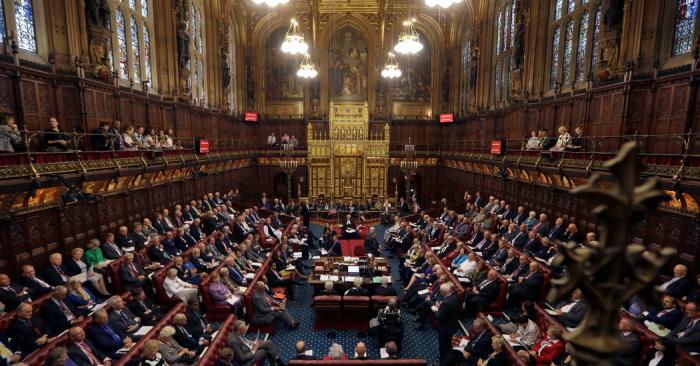 Britaniyada 7 deputat istefa verdi