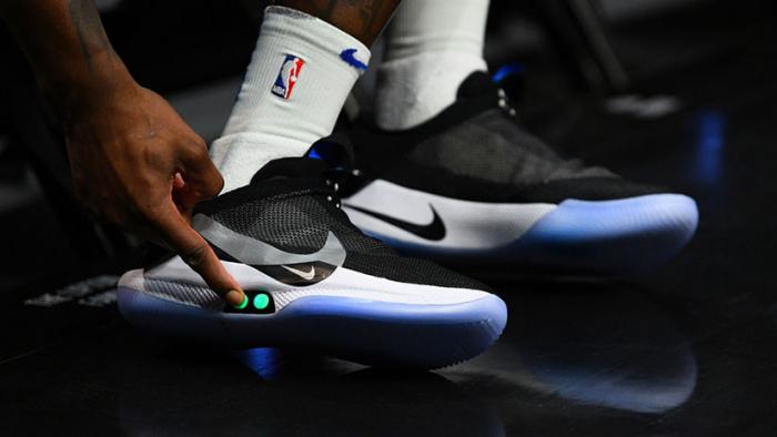 Las zapatillas inteligentes de Nike a 350 dólares se vuelven