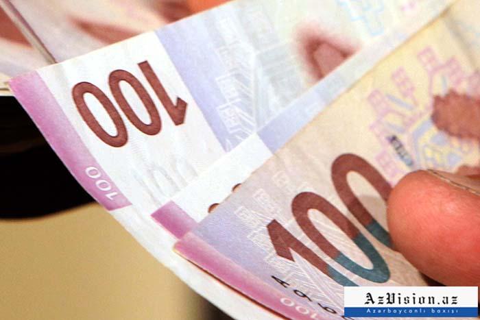 Muzdla çalışanların maaşı artıb - 557 manat