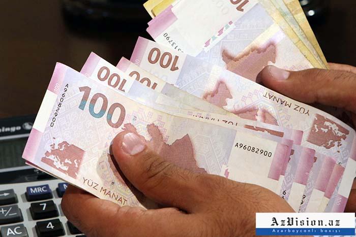 Əhalinin banklarda 8 milyard 75,9 milyon manat pulu var