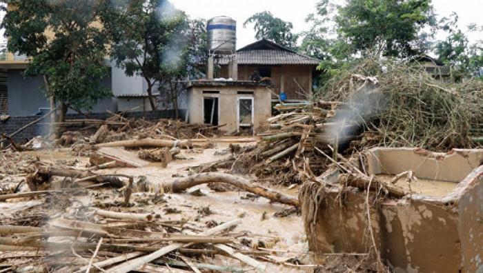 İndoneziyada təbii fəlakət - 63 nəfər ölüb