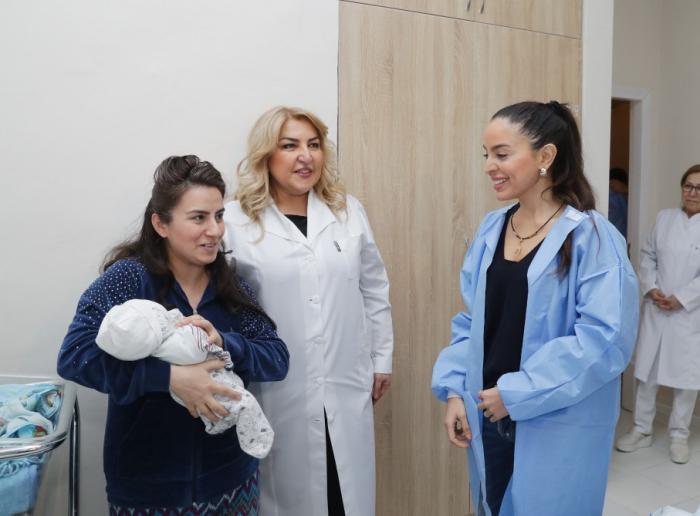 Leyla Əliyeva 2 saylı doğum evində - FOTOLAR