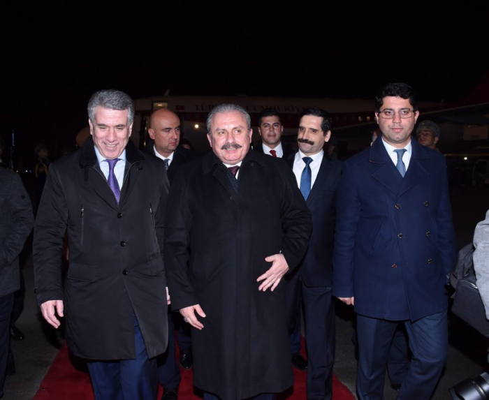 Newly-elected speaker of the Turkish parliament arrives in Azerbaijan on official visit