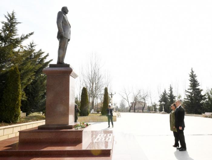 İlham Əliyev birinci xanımla Şamaxıya gedib