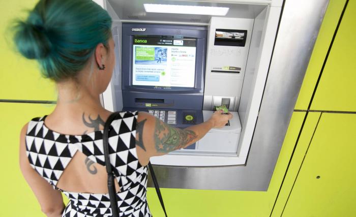 El cajero automático del futuro: ¿un sustituto del empleado bancario o mucho más?