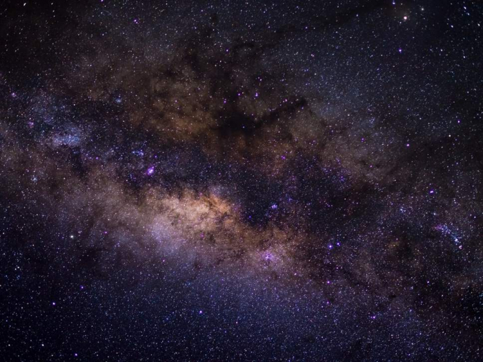 Alien life could be found around stars that are squeezed together