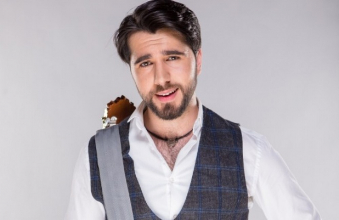 """""""Çingiz inanılmaz dərəcədə ehtiraslı müğənnidir"""" - Avstriyalı bəstəkar"""