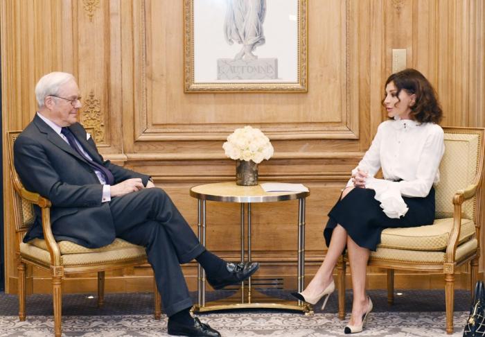 Erste Vizepräsidentin Aserbaidschans Mehriban Aliyeva trifft INCa-Stifter