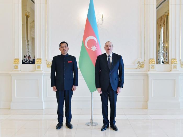 İlham Əliyev yeni səfirin etimadnaməsini qəbul edib - Yenilənib
