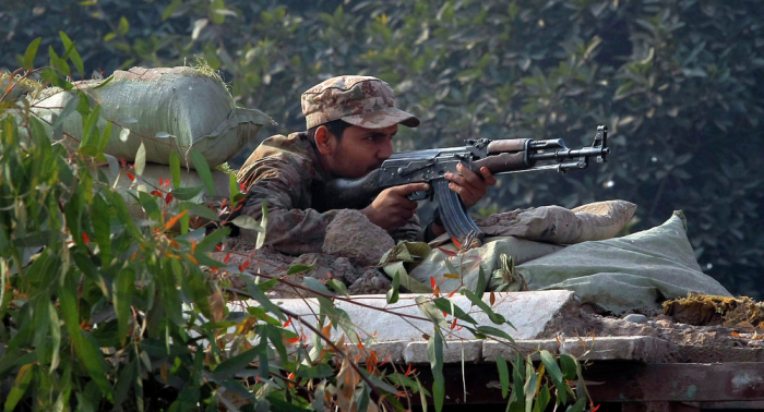 El Ejército paquistaní bombardea Cachemira y hiere a cuatro civiles indios