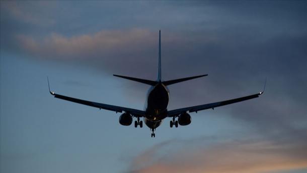 El avión aterriza de emergencia porque una pasajera olvidó a su bebé en el aeropuerto