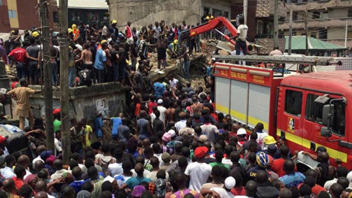 Nigeriyada məktəb binası çöküb