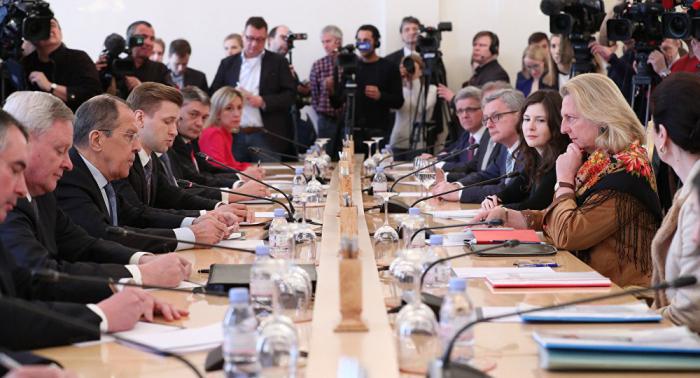 Kneissl in Moskau: Russisch-österreichischer Dialog wird intensiviert