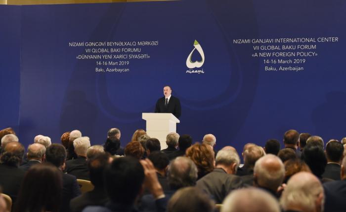 Prezident VII Qlobal Bakı Forumunda - FOTOLAR (Yenilənib)