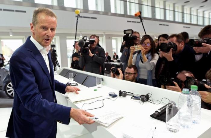 """VW-Chef Diess entschuldigt sich für """"Ebit macht frei""""-Äußerung"""