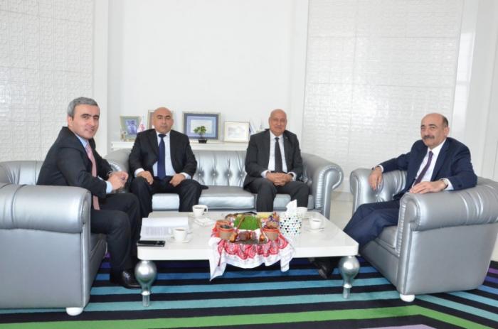 Aserbaidschan und ISESCO diskutieren über gemeinsame Kooperationsprojekte
