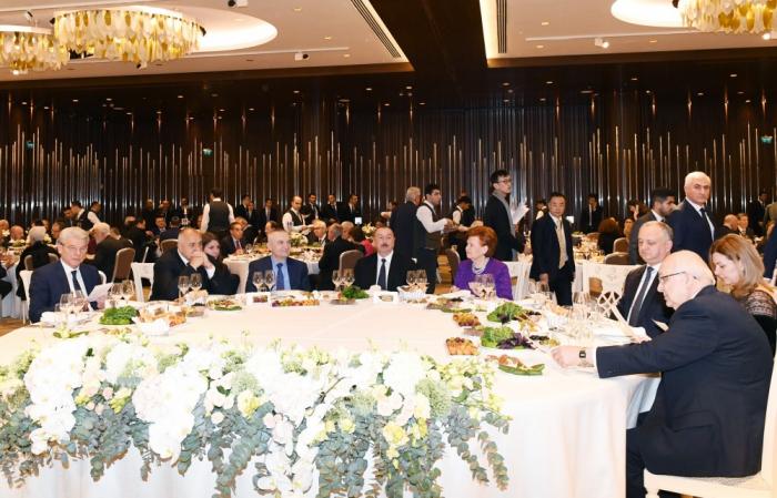 Celebran recepción para los participantes del VII Foro Global de Bakú-Fotos