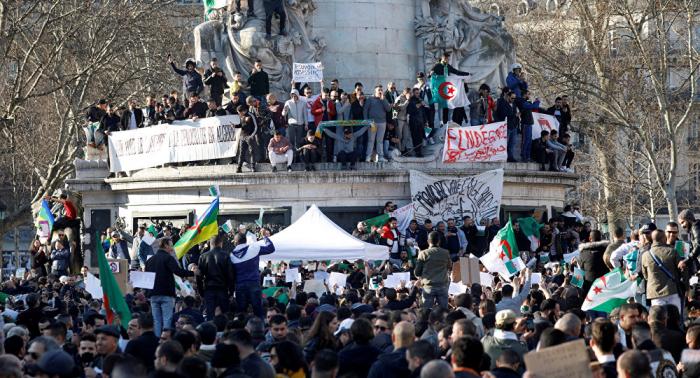 Al menos 75 detenidos y 11 policías heridos en protestas en Argelia