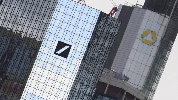 Los dos mayores bancos alemanes inician negociaciones para su posible fusión