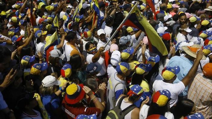 Guaidó mobilisiert zum Marsch auf Caracas