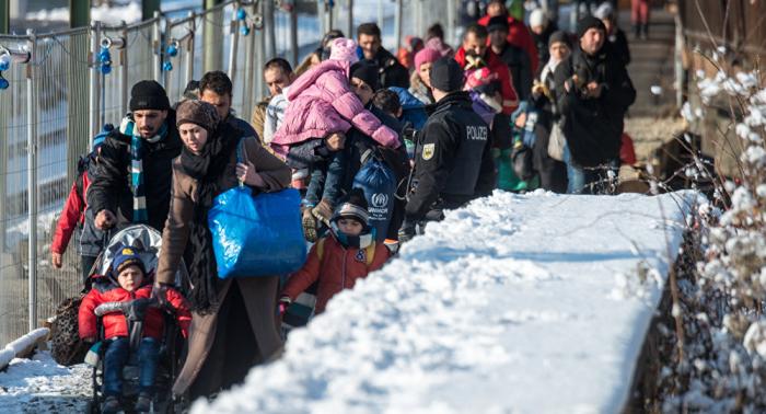 Fast 2000 Straftaten gegen Asylbewerber