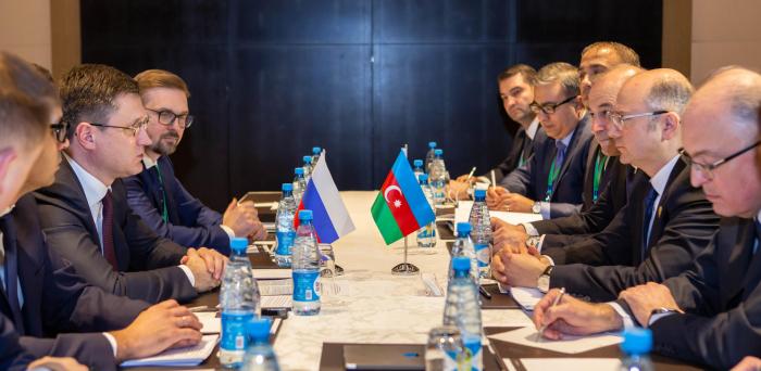 Aserbaidschan, Russland, besprechen die Möglichkeit der Lieferung von russischem Öl an die STAR-Raffinerie