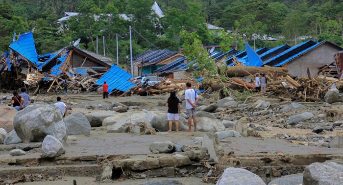 Asciende el número de muertos por inundaciones en Indonesia