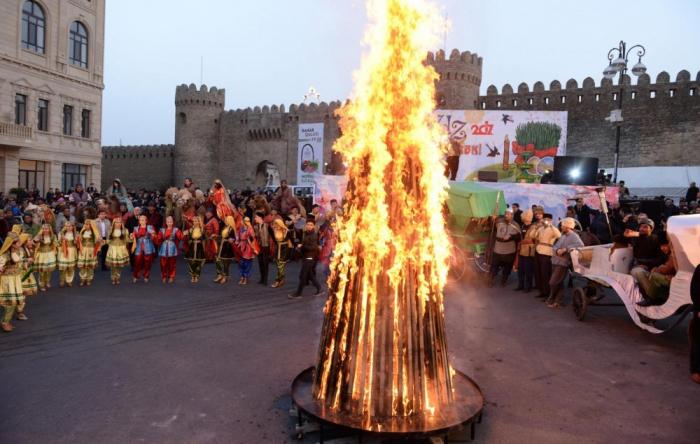 """Último Martes de Novruz se celebra en Azerbaiyán-  """"Torpag Chershenbesi"""""""