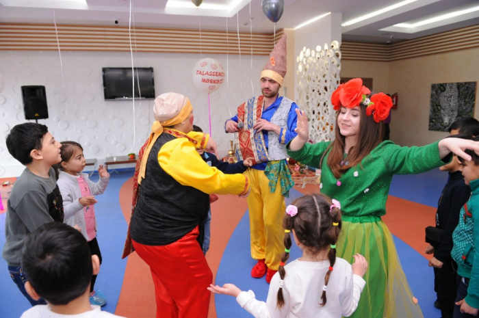 Heydər Əliyev Fondu kimsəsiz uşaqları sevindirdi - FOTOLAR
