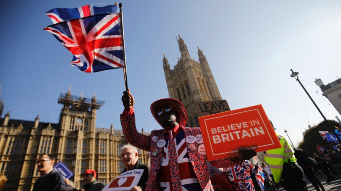 Briten müssen bisJuli gehen- oder an Europawahl teilnehmen