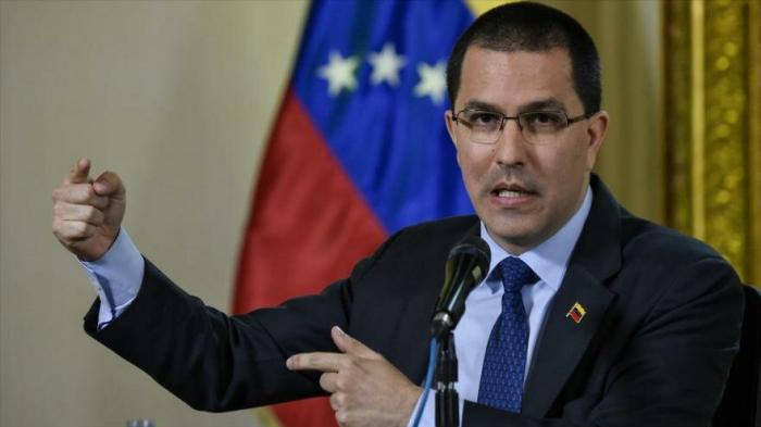"""Caracas responderá a """"ocupación"""" de sus sedes diplomáticas en EEUU"""