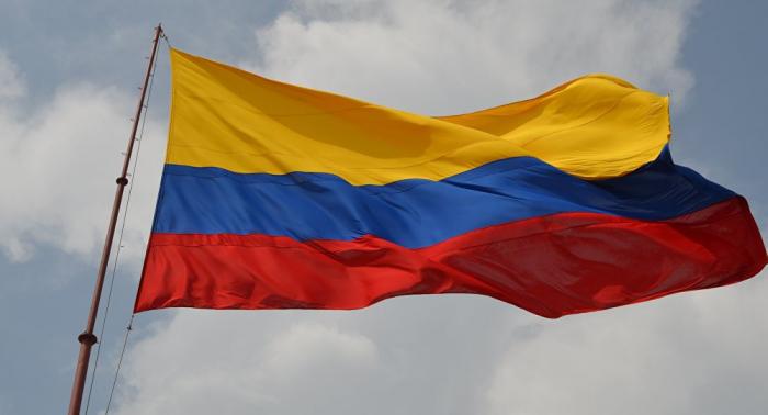 Una comisión del Gobierno colombiano busca reunirse con indígenas para levantar una protesta