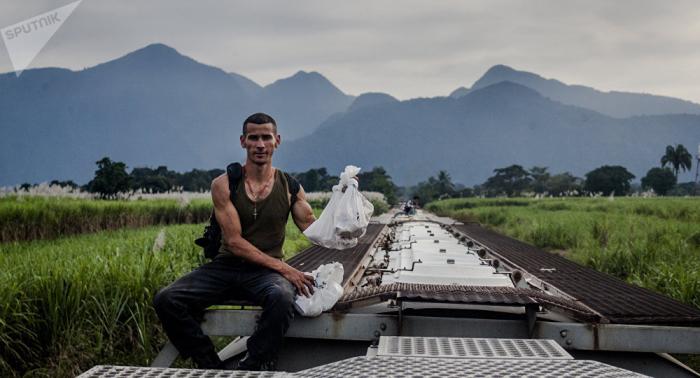 Cómo se alimenta el tráfico de migrantes en México