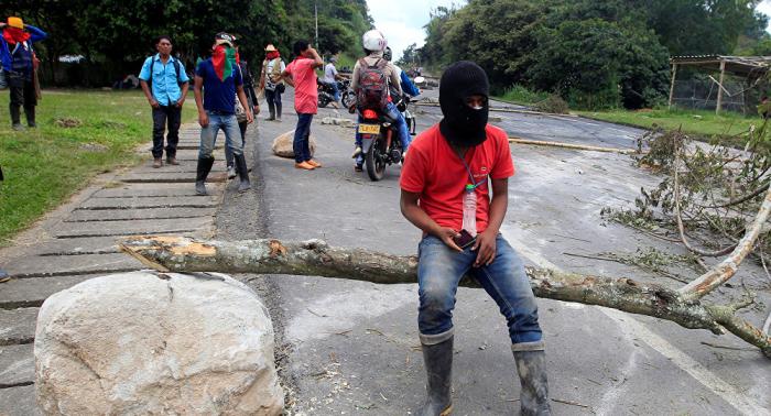 Indígenas que protestan en Colombia denuncian agresiones por parte de la Policía