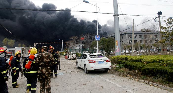 Ascienden a     44     los muertos por explosión en una planta química en China