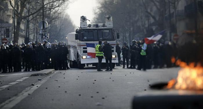 """Bei """"Gelbwesten""""-Protesten: Polizist muss wiederbelebt werden – VIDEO"""