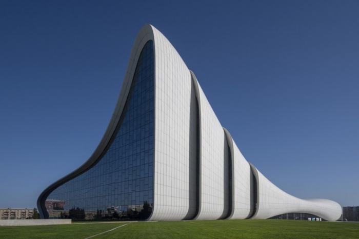 El Centro Heydar Aliyev se encuentra entre las ocho salas de concierto más bellas del mundo