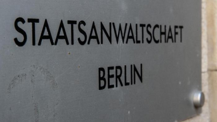 Staatsanwaltschaft ermittelt wegen fast 80 rechtsextremesitsichen Drohschreiben