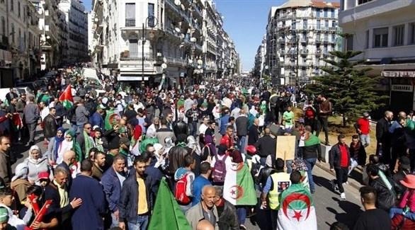 الجزائر: تظاهرات جديدة احتجاجاً على رسالة بوتفليقة