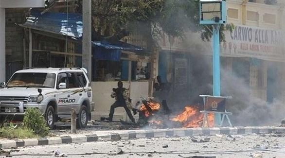 مقتل وإصابة 20 شخصاً بانفجارين في مقديشو