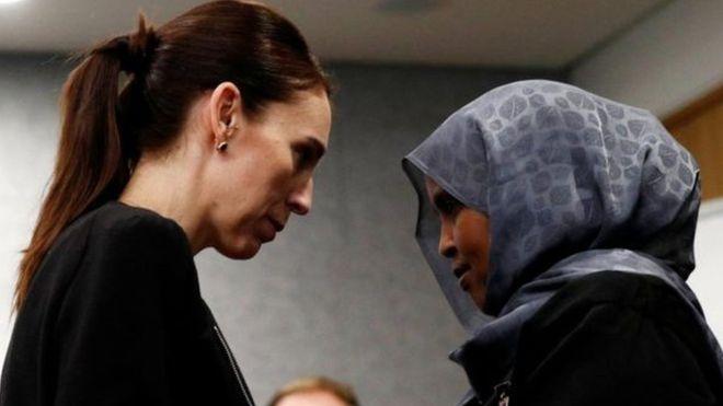 هجوم نيوزيلندا: صمت دقيقتين وقت صلاة الجمعة وبث الآذان في التليفزيون والإذاعة