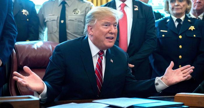 Trump signe le premier veto de sa présidence pour financer le mur frontalier