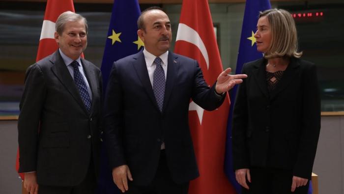 """Çavuşoğlu Moqeriniyə şikayətləndi: """"İkiüzlülüyü qəbul etmirik"""""""