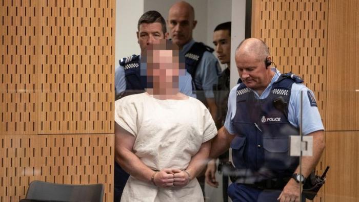 Yeni Zelandiya terrorçusu hakim qarşısında - 49 ittiham irəli sürüldü